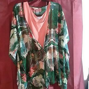 1X plus 2 piece set. Peach tank, w/blouse, tropica